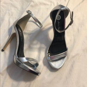 Michael Antonio silver sandal heel Sz 8